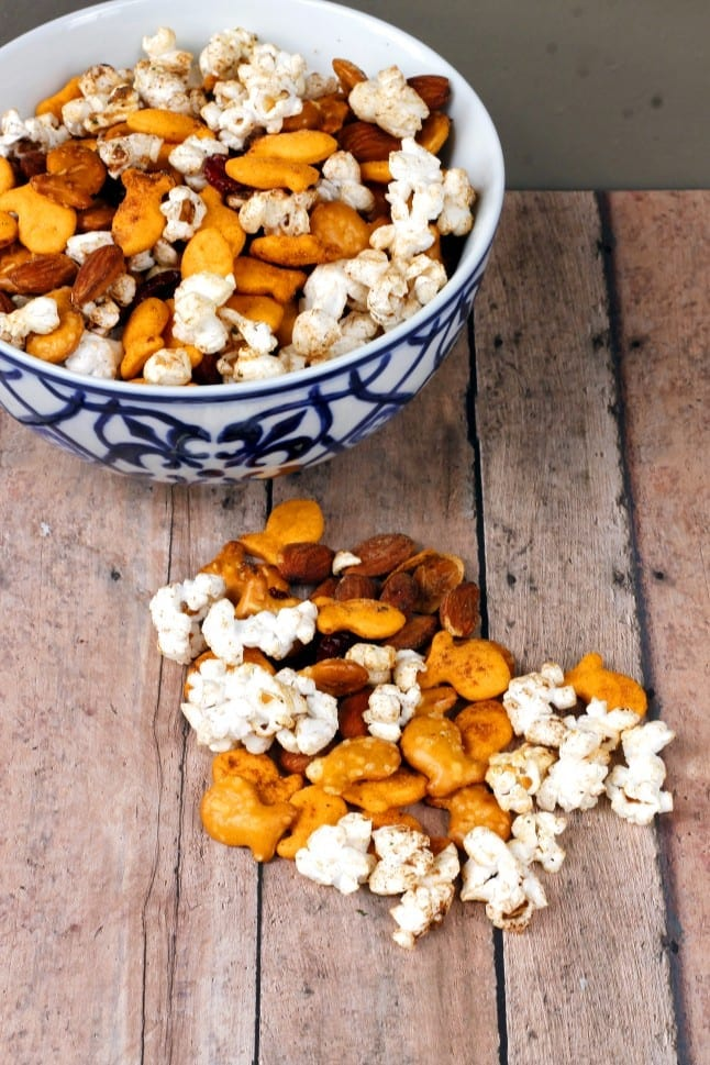 Easy Goldfish Snack Mix
