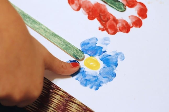 Making the Flowers with Thumbprints