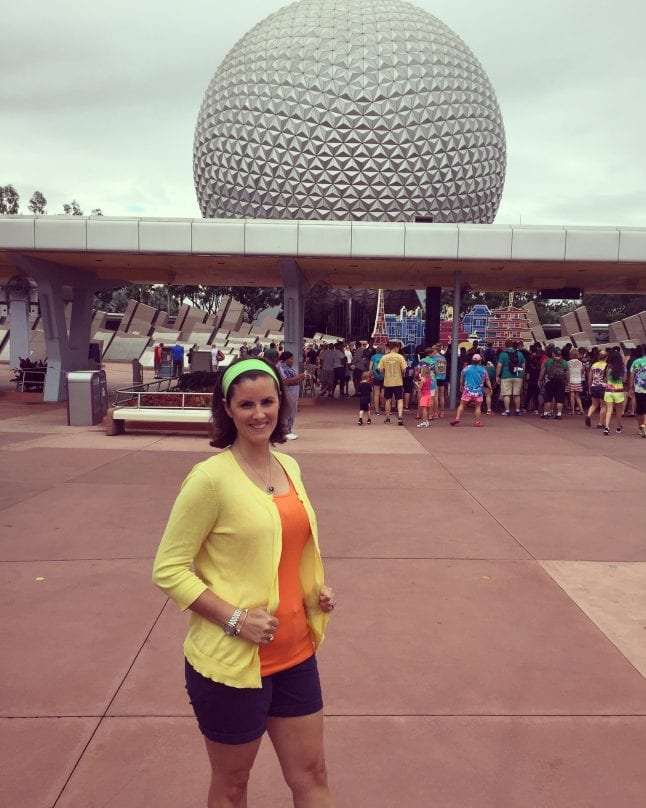 Best tips for Disneybounding include keeping it simple with accessories.