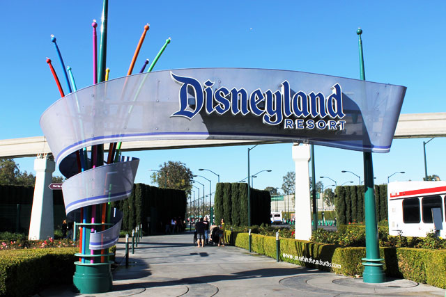 First time visit to Disneyland may or may not allow you to cross paths with this entrance sign!
