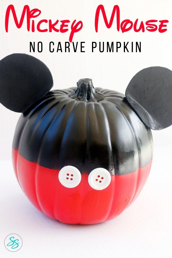 Make this easy Mickey Mouse no carve pumpkin in just a few simple steps. It costs less than $20 to make! #mickeypumpkin #disneypumpkin