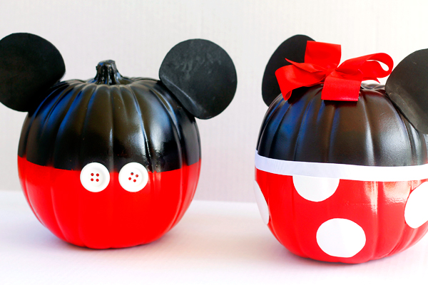 Mickey and Minnie make great pumpkins!