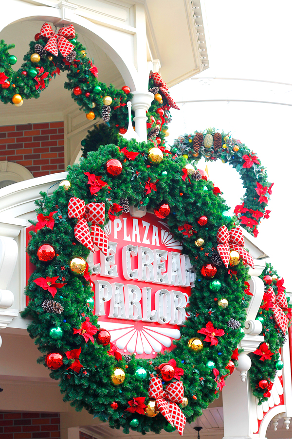 Christmas at Disney World is a magical time of year!