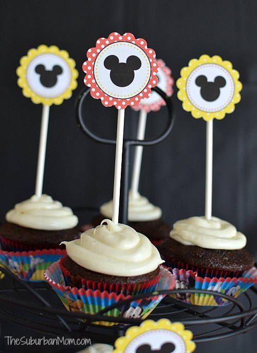 Mickey Mouse cupcake topper from Suburban Mom.