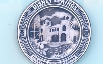 Disney Springs trash can logo.
