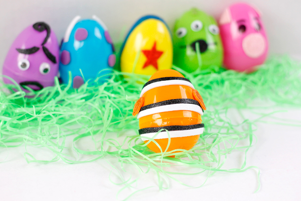 Easy DIY Pixar Easter egg from Finding Nemo