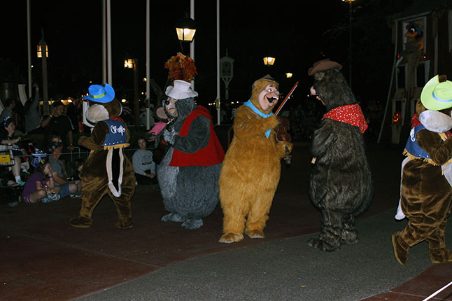 Country Bears in the Mickey's Not-So-Scary Halloween parade