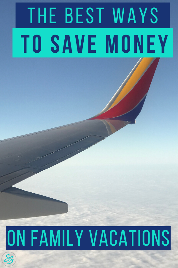 Can you save money while traveling? Yes, you can using these easy tips! #familytravel #savinghacks #traveltips